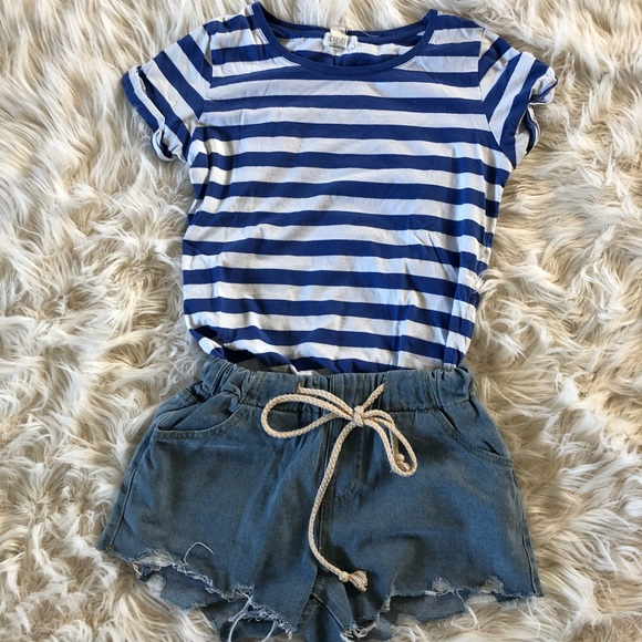 Forever 21 Tops - Blue and white tee